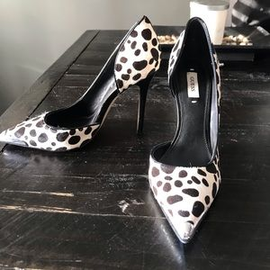 Size 7 Guess shoes